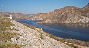 El pantano de Cuevas del Almanzora aporta 287 litros de agua por segundo para abastecimiento y 400 para regadío