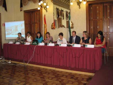 La Junta celebra el Milenio ofreciendo actividades a los ciudadanos en todos los campos de su competencia