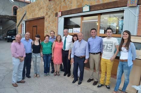 Arenas y Amat visitan Abrucena para interesarse por las preocupaciones de sus vecinos