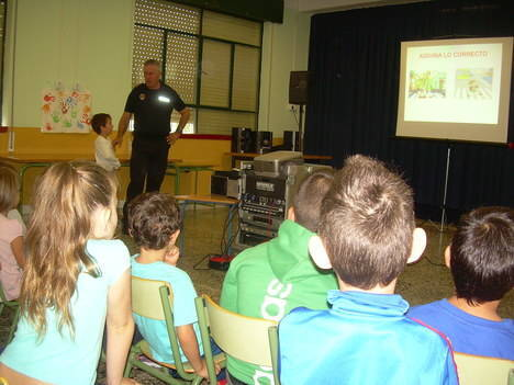 La Policía Local de Huércal de Almería inicia sus jornadas de Educación Vial en los colegios