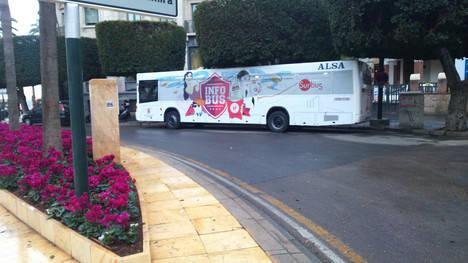El Infobús permanecerá esta semana en la Plaza Circular para promocionar el transporte público