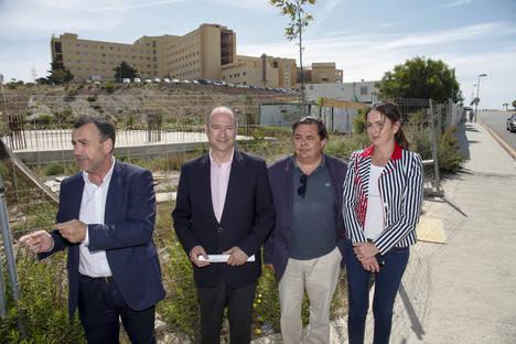 Luis Rogelio anuncia una iniciativa del PP en el Parlamento andaluz para que se reanuden las obras del Materno Infantil