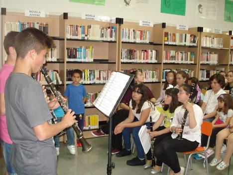 La música llega a la Biblioteca de Gádor para contribuir al fomento de la lectura