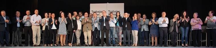 Cuevas arropa masivamente a Jesús Caicedo en la presentación de su candidatura a las elecciones municipales del 24-M