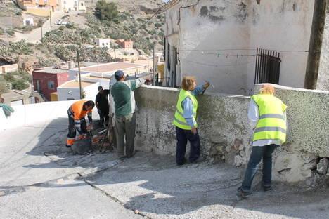 Obras de mejora de espacios urbanos en Ossetia de Norte y Salto del Agua