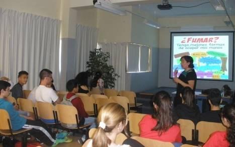 Nuevas sesiones de los talleres de prevención de adicciones de Vícar ante las drogas