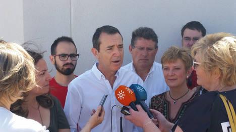 Pérez Navas dotará a El Alquián de un complejo completando su campo de fútbol
