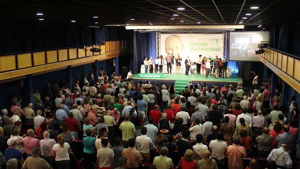 Impresionante muestra de apoyo al andalucista Felix López en Vera