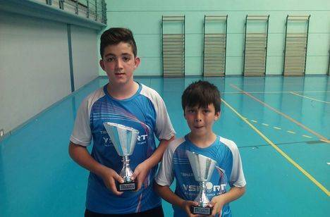 La Escuela Deportiva de Tenis de Mesa de Roquetas brilla en el Top Andaluz de Jóvenes
