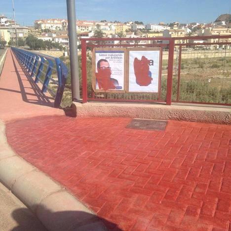 Pintura municipal contra el adversario político en Arboleas