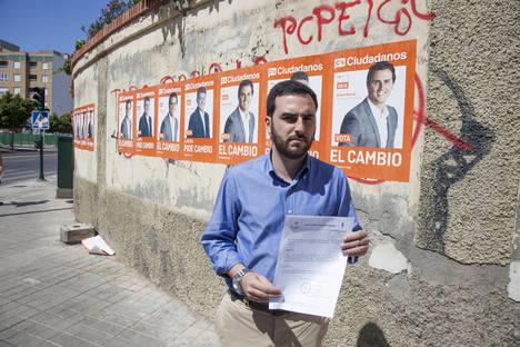 El colegio Divina Infantita desmiente por escrito que haya autorizado a Ciudadanos a pegar carteles en la fachada del centro