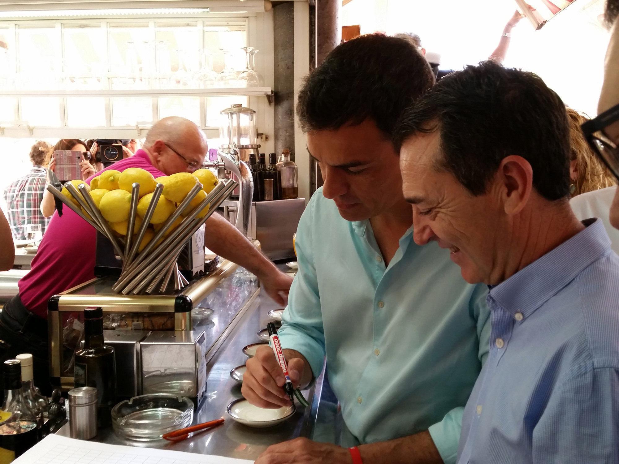Pedro Sánchez apuesta por Pérez Navas para cambiar Almería creando empleo e igualando los barrios