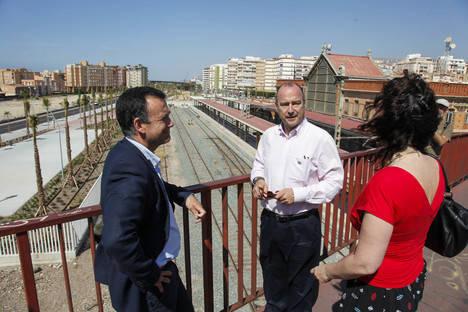 El PP propone el Puerto-Ciudad y continuar avanzando en el soterramiento y en la mejora del Casco Histórico