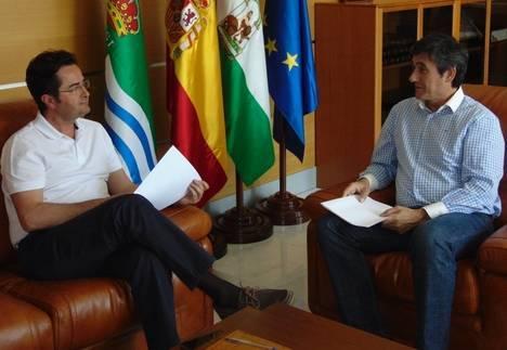 Manuel Cortés se reúne con el Alcalde de El Ejido para impulsar un Plan de Gestión de los Residuos Agrícolas
