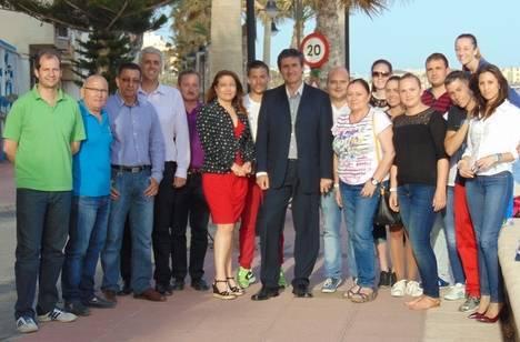 El Partido Popular de Adra celebra la renovación de las banderas azules a las playas de la localidad