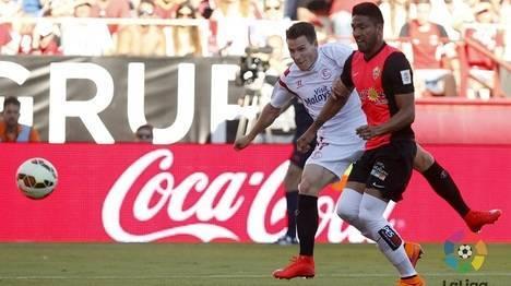 2-1 El Almería con el agua al cuello tras caer en Sevilla