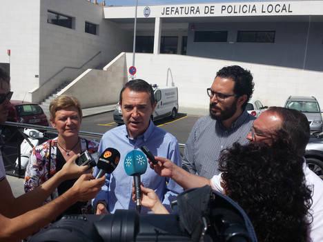 El PSOE dotará de más efectivos y medios a la Policía Local de Almería y a Bomberos para mejorar el servicio que prestan