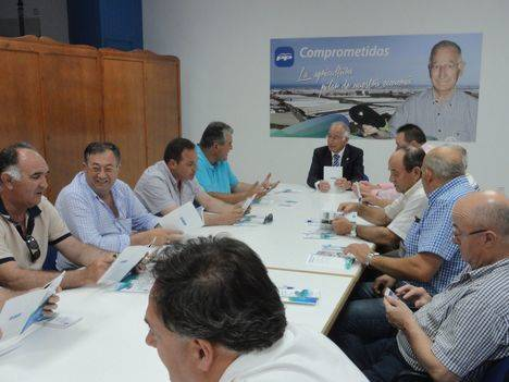 """El PP llama a los agricultores a organizarse frente a una Europa con """"cada vez más competencia"""""""