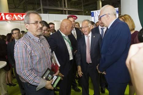 Amat destaca a los agricultores como auténticos protagonistas de Infoagro Exhibition y anuncia la visita de la ministra