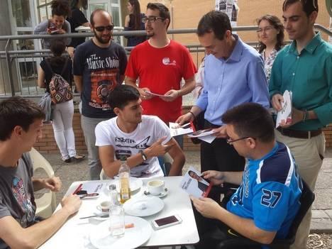 El PSOE pondrá en marcha un plan de empleo para jóvenes en Almería y les facilitará un bono cultural