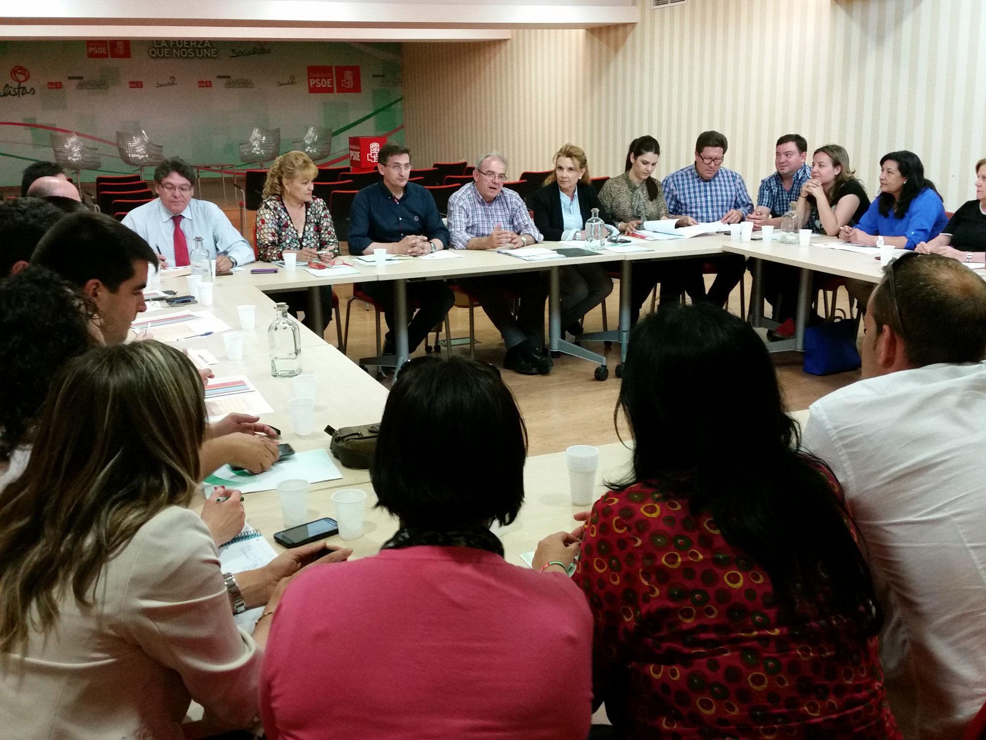 El PSOE dice que Almería ha retirado su confianza al PP