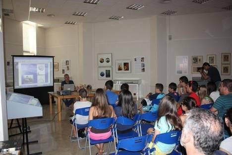 La delegada territorial de Educación inaugura en la Villaespesa la jornada 'Almería y el mar' que se enmarca en el Milenio de Almería