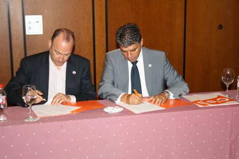 Almeria es la primera capital de provincia en la que el PP firma el programa marco de Ciudadanos