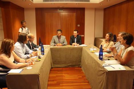 El PSOE firma el compromiso de Ciudadanos por la regeneración política