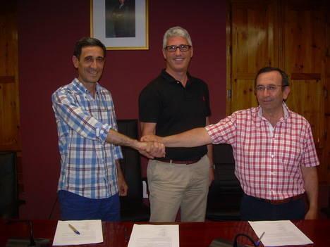 PP, GRINP y VHA firman el pacto de gobierno