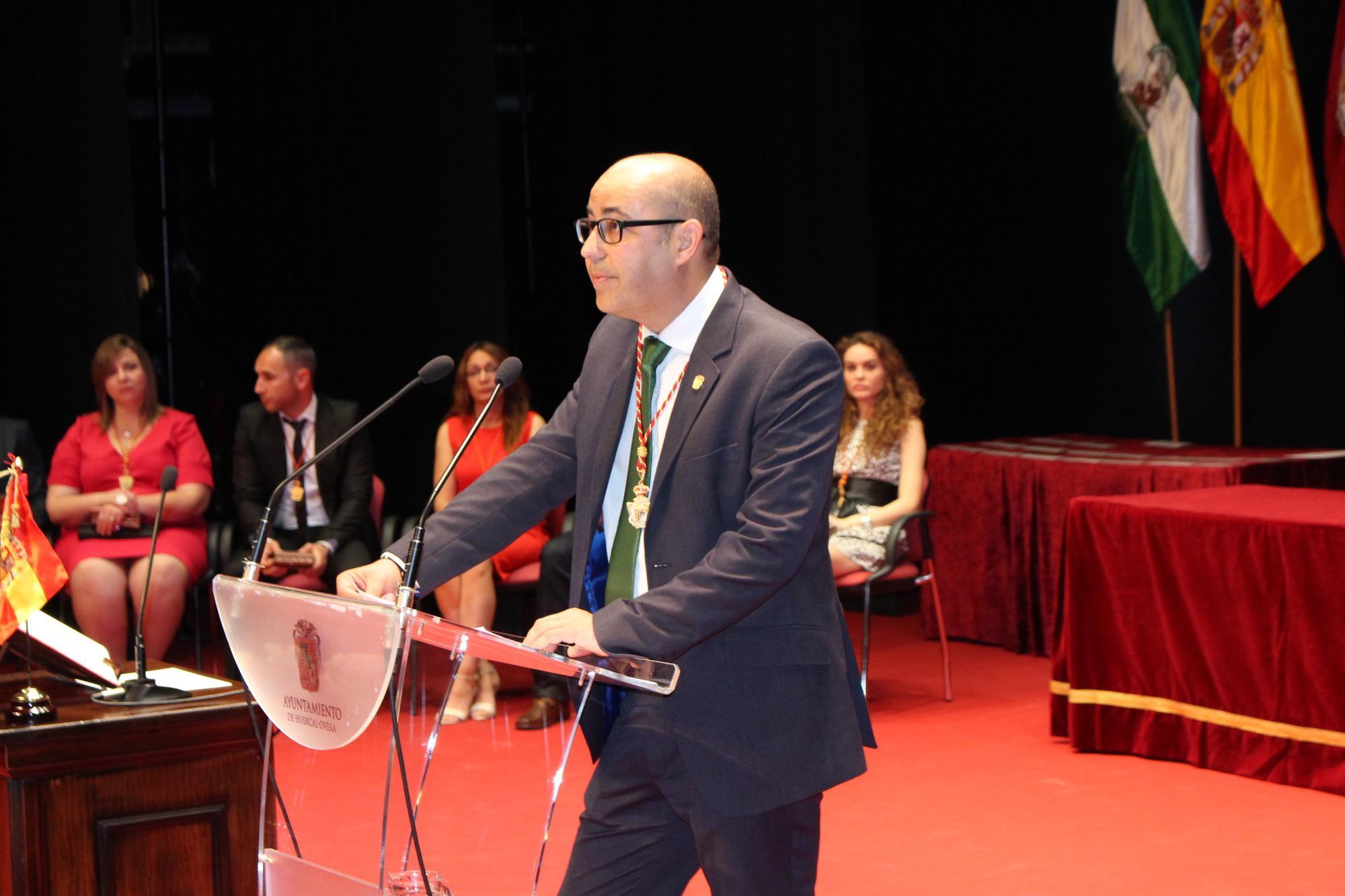 Domingo Fernández afronta un segundo mandato como alcalde de Huércal Overa tras su investidura