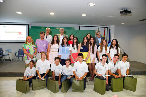 El Colegio Saladares de Roquetas de Mar premiado en la fase autonómica de 'Consumópolis10'