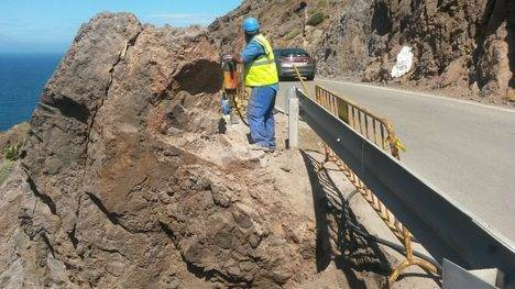 Diputación inicia las obras de la rotonda de La Fabriquilla en la carretera del Faro de Cabo de Gata