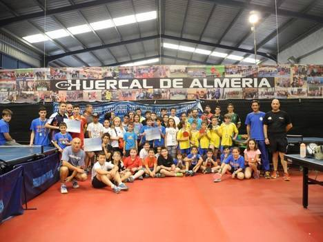 Diputación celebra en Huércal un Encuentro Educativo de Promoción del tenis de mesa