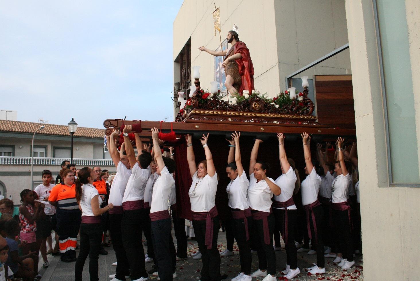 Las fiestas de Las 200 viviendas finalizan con la procesión en honor a San Juan Bautista