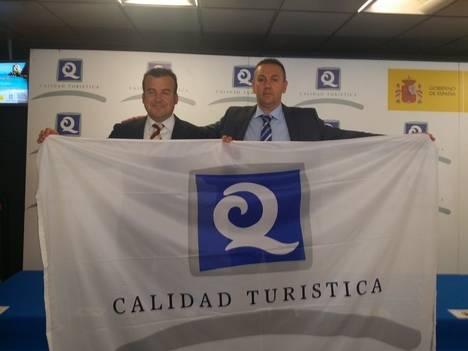 Carboneras recibe el Certificado Q de Calidad de sus playas urbanas