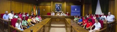 Diputación recibe a las selecciones provinciales de fútbol campeonas de Andalucía
