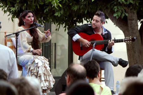 La cantaora Toñi Fernández cierra con un recital clásico 'Plazeando II'