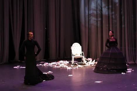 Rubén Olmo desentraña la tortuosa vida de Poe en el cierre del Festival de Danza