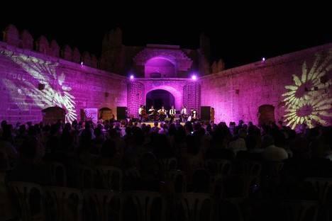 Argentaurum revive la historia y la magia andaluza en su concierto en la Alcazaba, dentro del 'Julian Arcas' de Cajamar