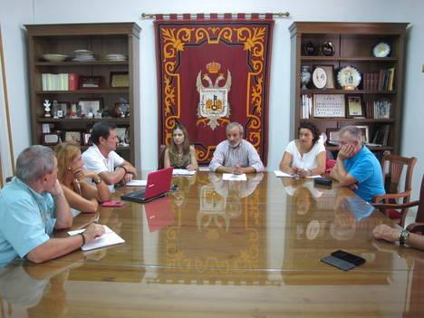 El Ayuntamiento de Vera escucha de primera mano las demandas de Veraplayazul