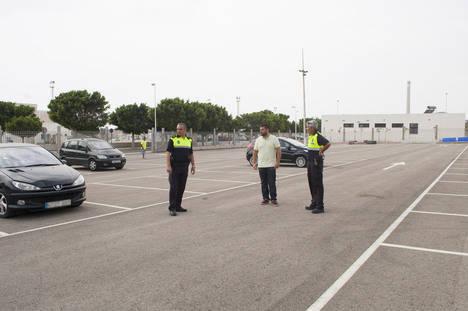 El Ayuntamiento de Carboneras habilita un parking gratuito en el Puerto de la localidad