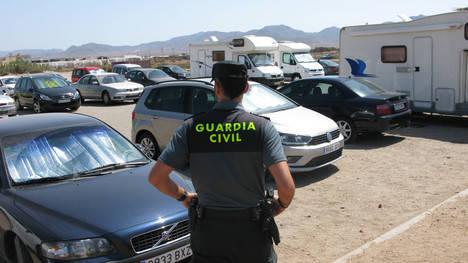 La Guardia Civil detiene a los autores de 10 robos y hurtos cometidos en playas del Parque Natural de Cabo de Gata-Níjar