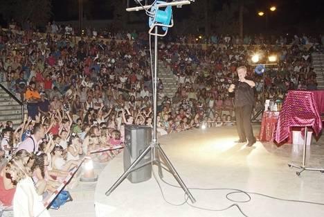 Magic Reyman & Sol reúne a más de 1.000 personas en el Anfiteatro de Roquetas de Mar