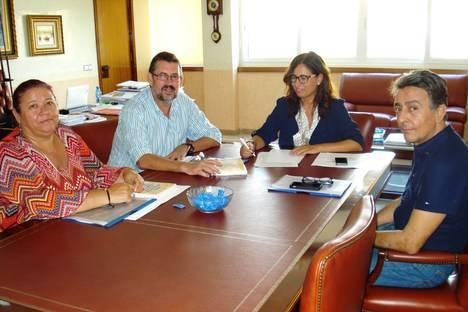 IU aboga por ocupar el mayor frente marítimo posible de la ciudad en el proyecto de la integración del Puerto