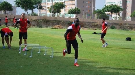 El ghanés Fatau se incorpora al grupo en el primer entrenamiento de la semana