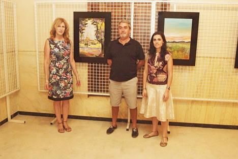 El pintor Neyzam expone su obra en el Faro de Roquetas hasta finales de mes