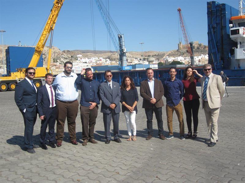 Desembarca en el Puerto de Almería un cargamento con 4.000 toneladas de piedra procedentes de Turquía