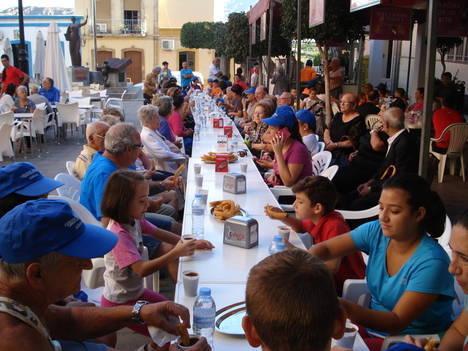 Marcha saludable y chocolatada para empezar con energías la Feria de Gádor