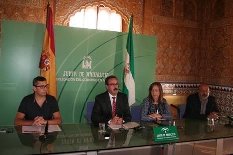 """La delegada de Educación y el delegado de Turismo, Cultura y Deporte han presentado el curso """"Educando en el Museo de Almería"""""""