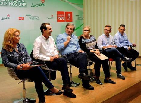 """Los candidatos del PSOE de Almería capital exponen en asamblea las líneas claves para """"el cambio seguro"""" el 20-D"""